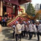 本日 浅草寺では「菊供養会・金龍の舞」があります!
