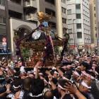 超特大の神輿がスゴイ!  下谷神社大祭の本社神輿渡御が行われました!